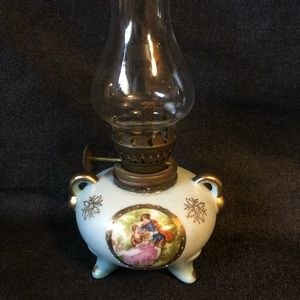 💥💥SOLD💥💥Porcelain Arnart Mini Oil Lamp